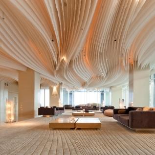 Hilton Pattaya : Lobby & 'Drift' Bar